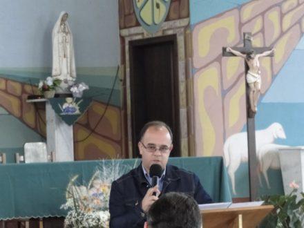 Padre Antônio Carlos falando sobre Maria.