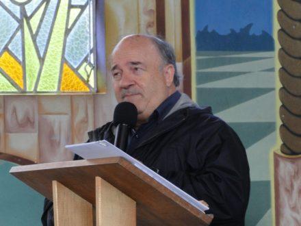 Padre Levi testemunhando a devoção a Aparecida na Catedral.